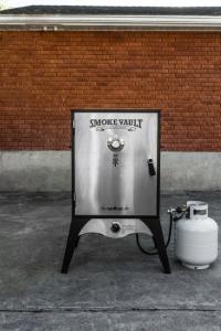 "Camp Chef Smoke Vault 24"""